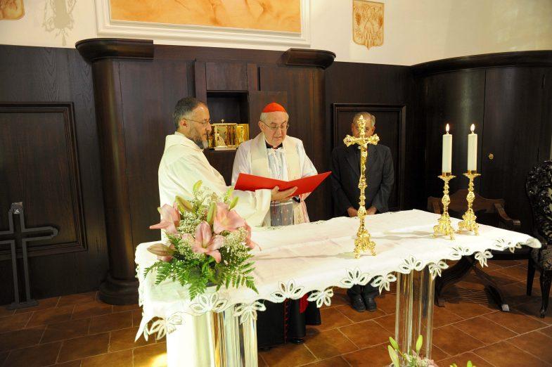 Il cardinale agostino vallini in visit alla cittadella for Arredi sacri roma